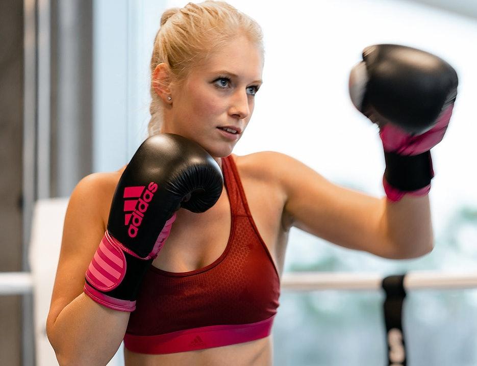 Fitnessmodel Ann-Kathrin beim Boxing