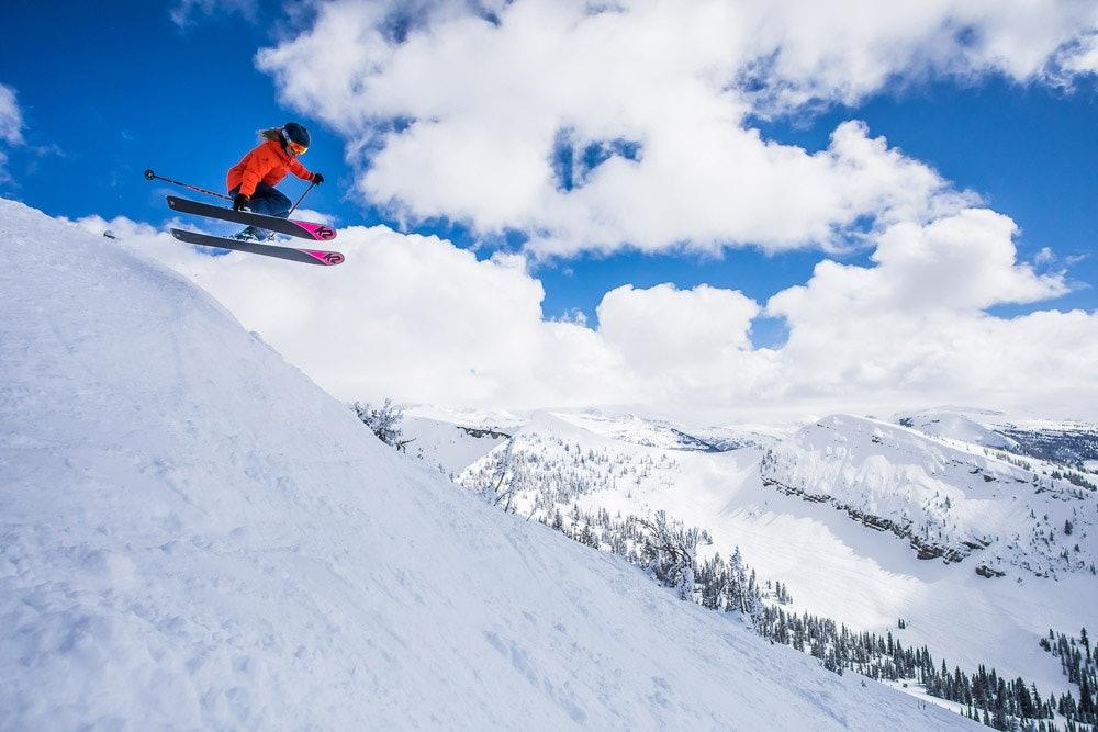 K2 Alliance Skifahrerin McKenna Peterson in Action