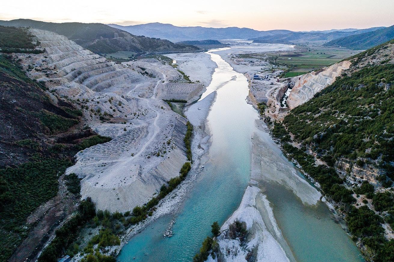 Damm-Baustelle in Kalivac, Fluss Vjosa, Albanien