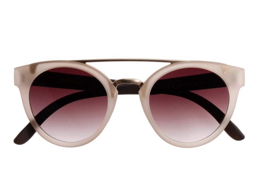 Sonnenbrille mit getönten Gläsern