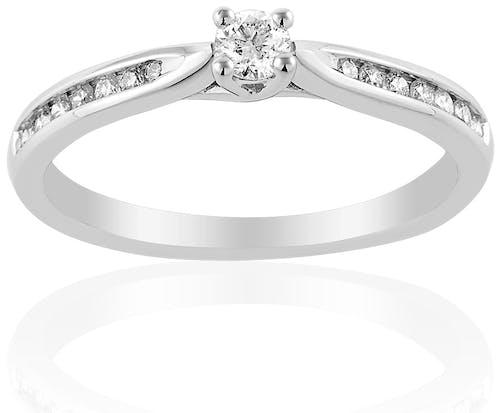 Ce Solitaire CLEOR est en Or 750/1000 Blanc et Diamant Blanc