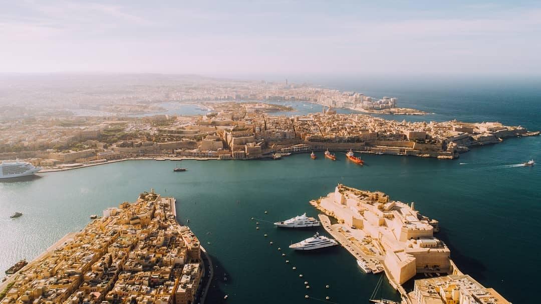 Blick aus der Luft über Teile der Insel Malta.