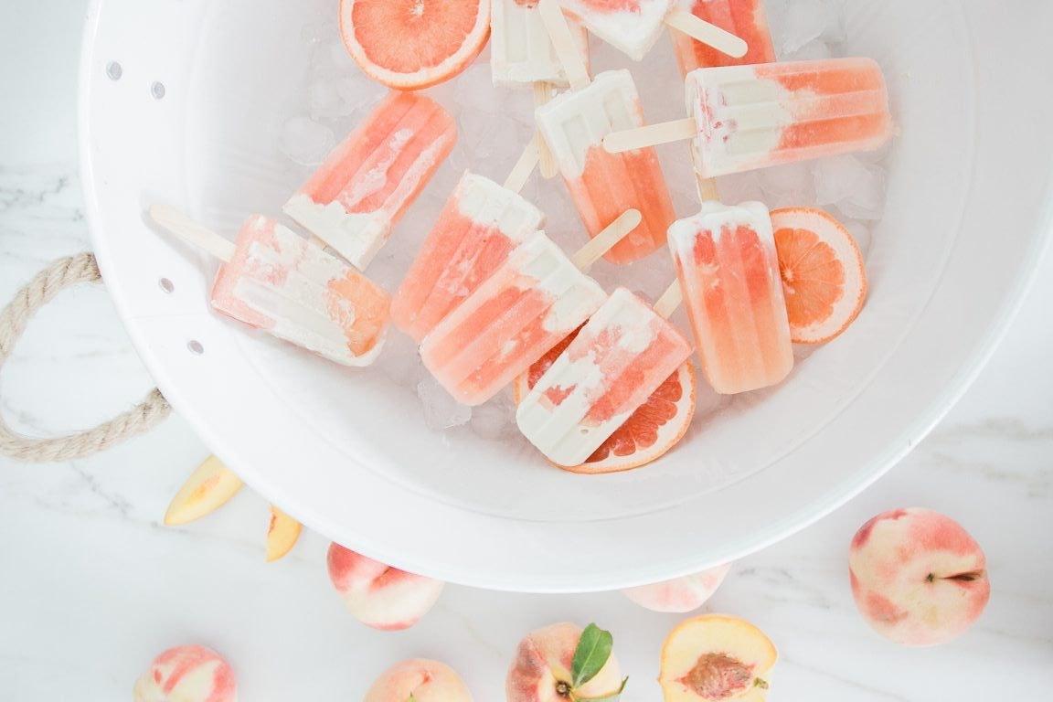 Vegane Grapefruit-Kokos-Popsicles