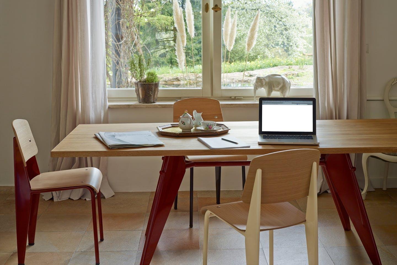 Vitra Tisch EM Table