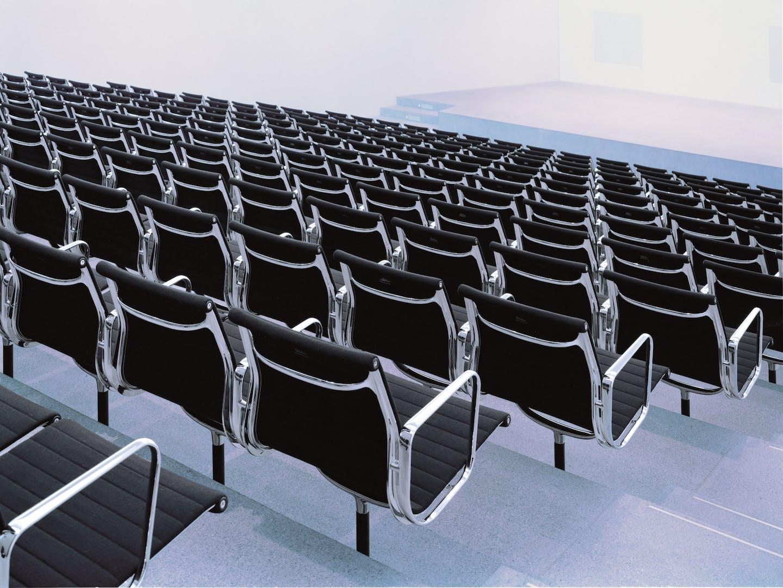 Eames Alu Chairs de Vitra