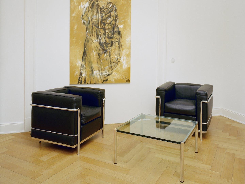 Classiques du design de Cassina et USM dans la salle d'attente