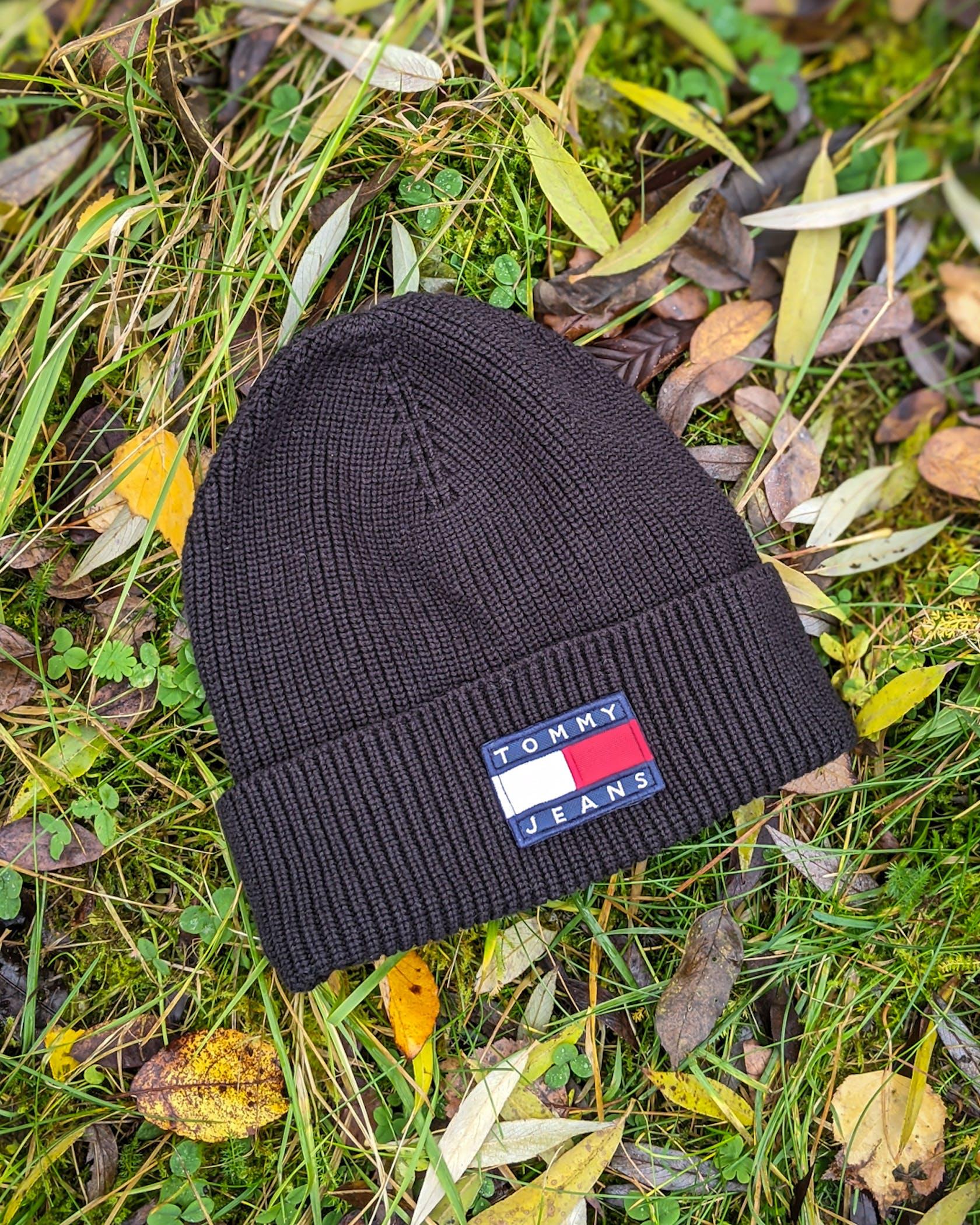 schwarze Mütze von Tommy Jeans