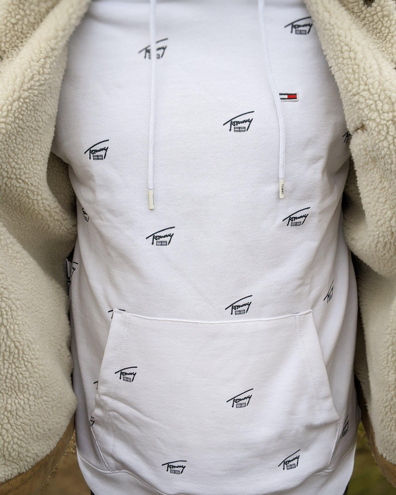 weißer Hoodie mit Tommy Jeans Aufdruck
