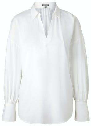 weiße Bluse mit Ausschnitt