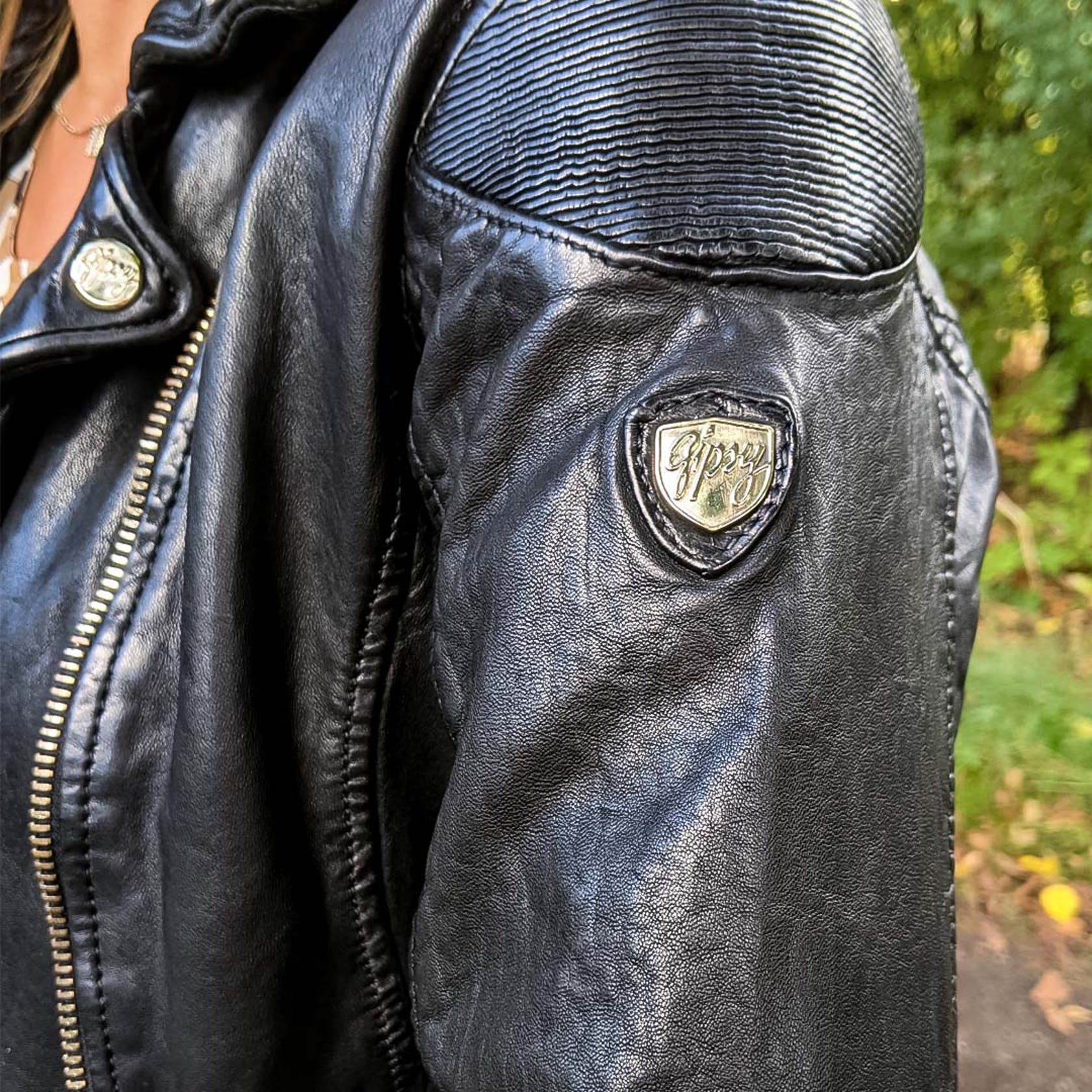 Detailaufnahme von einer Lederjacke