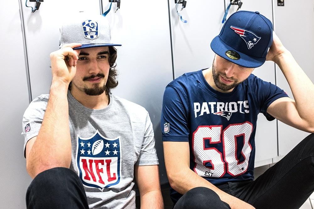 Shirts und Caps zum Superbowl