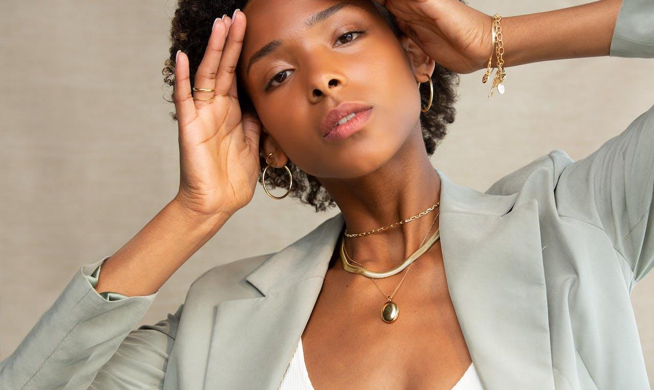 Model Goldene Ohrringe Damen Ringe