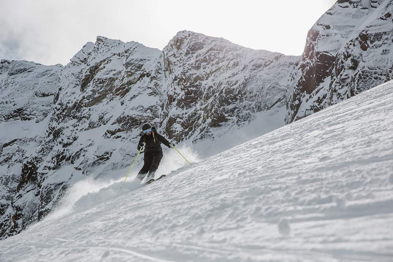Skifahrerin in Action