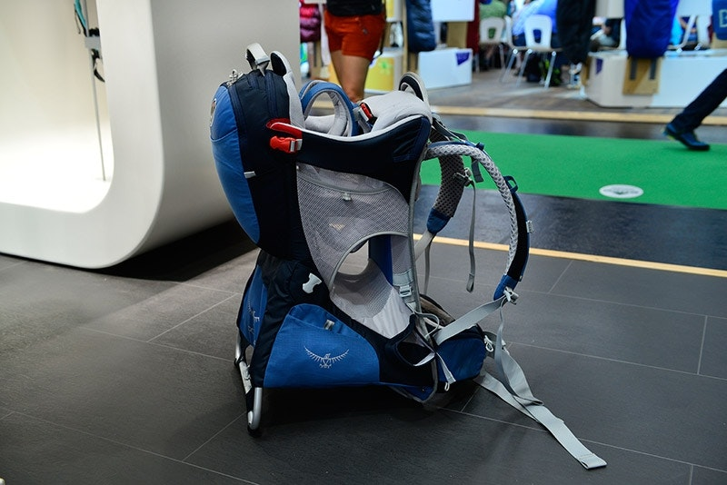 Viel Platz für Kind und Kegel: Neues von Osprey für die Kleinsten.