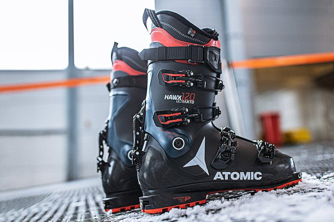 Atomic Hawx Skischuhe rot