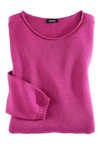 Pinker Pullover aus Strick mit rundem Ausschnitt.