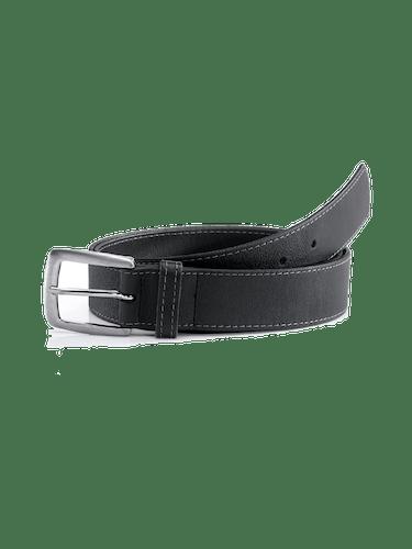 Schwarzer Gürtel aus Leder mit silberner Schließe.