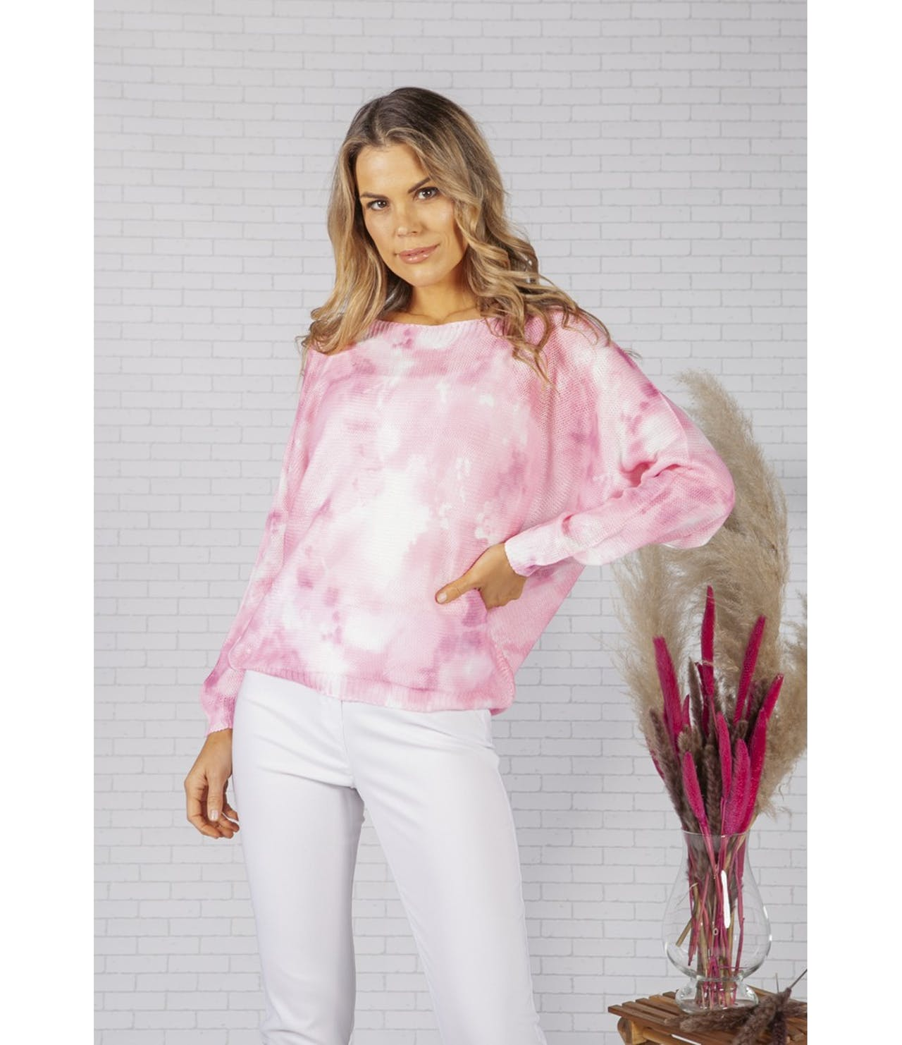 Zapara LIGHTWEIGHT CROPPED TIE DYE KNIT PULLOVER IN CLOUDED PINK