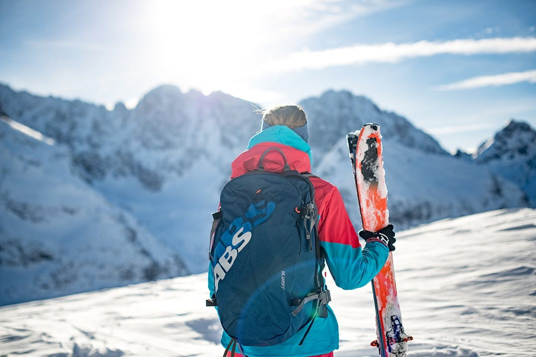 Lawinenrucksack beim Skitourengehen