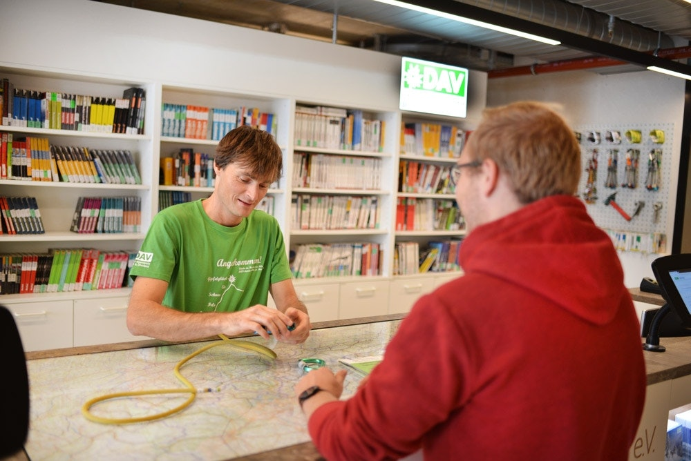 Neue-DAV-Servicestelle-Schuster