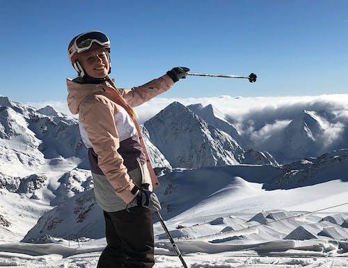 Ann-Kathrin Burmann lernt Skifahren