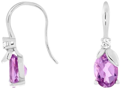 Ces Boucles d'oreilles CLEOR sont en Or 375/1000 Blanc, Oxyde et Améthyste Violette