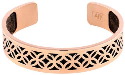 Ce jonc LES ETINCELANTES en acier rose et cuir noir est la pièce mode à avoir de toute urgence dans votre boîte à bijoux !  Ses découpes géométriques rendront n'importe laquelle de vos tenues instantanément plus tendance..