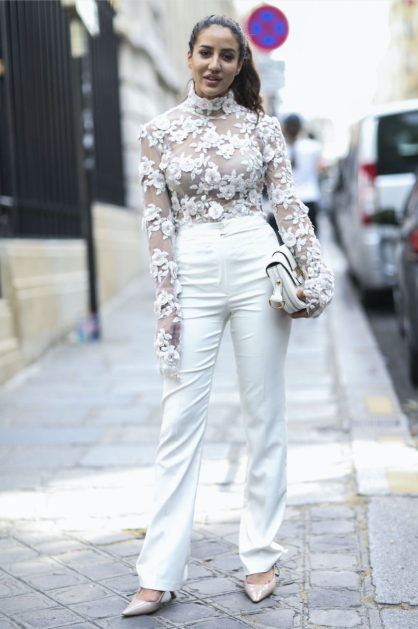 All White Look mit Muster