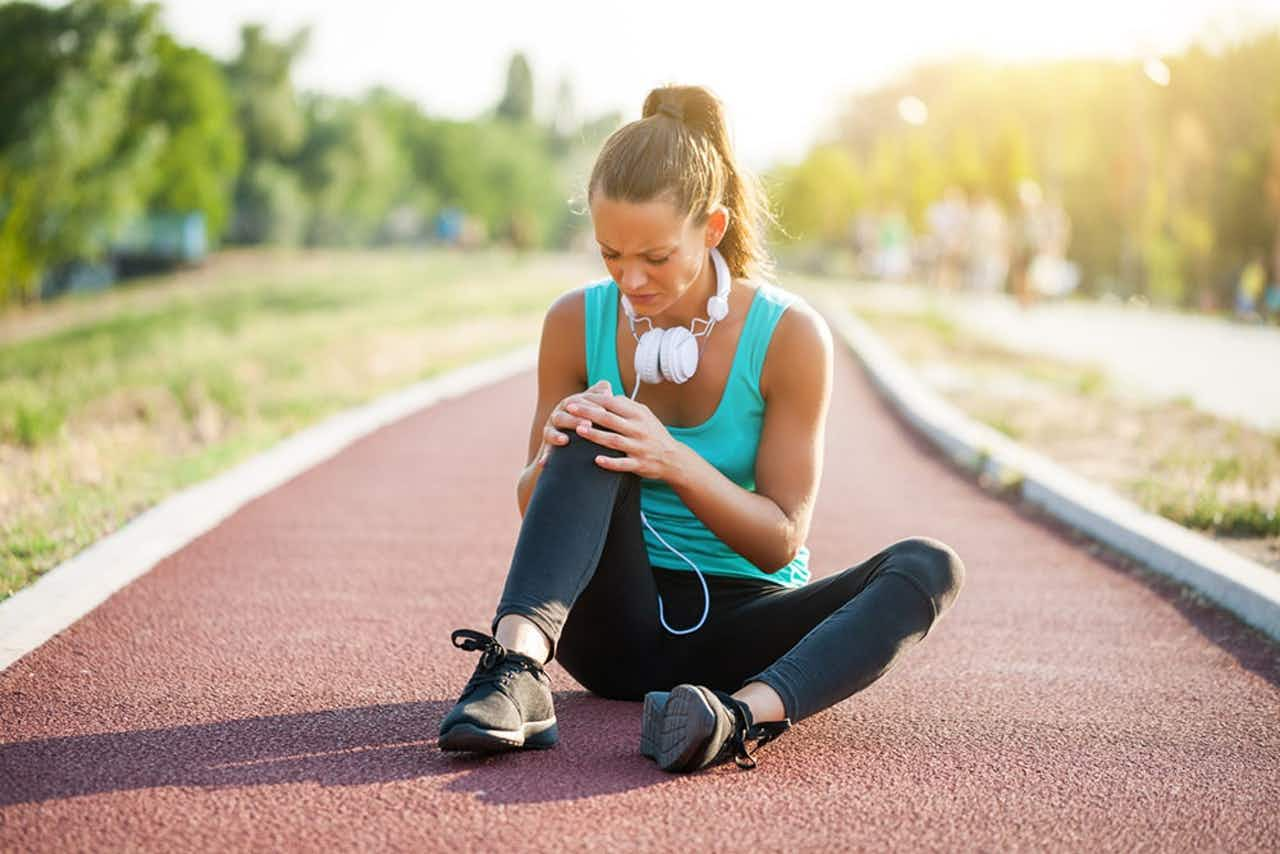 Runner's Knee - Knieschmerzen bei junger Läuferin