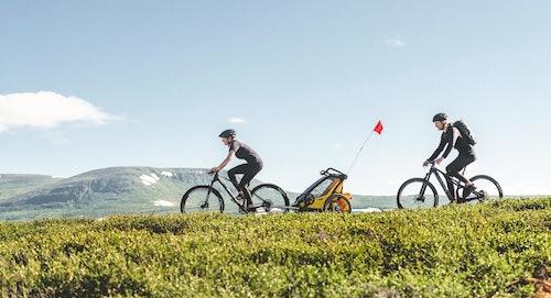 Ciclisti in ambiente collinare