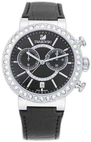 Cette montre SWAROVSKI se compose d'un Boîtier Rond de 38 mm et d'un bracelet en Cuir Noir