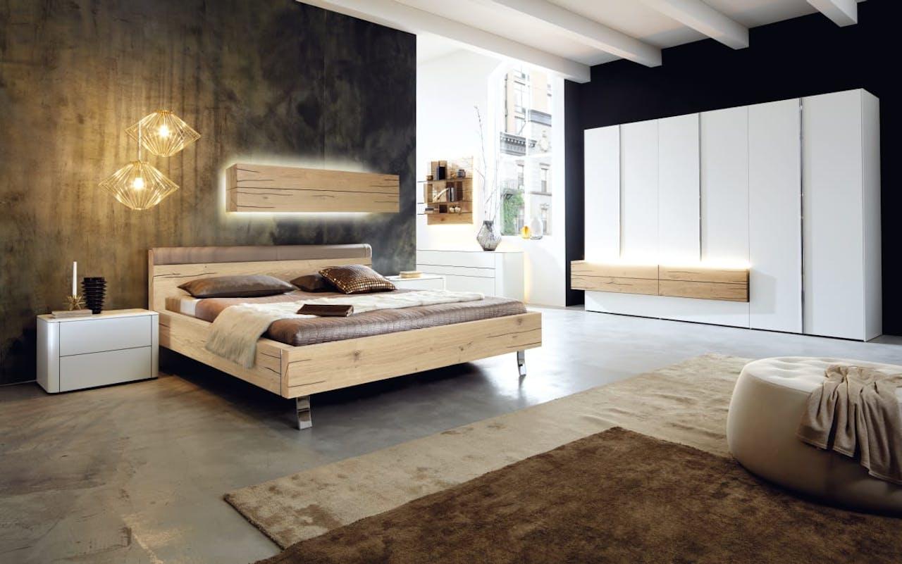 Schlafzimmer Gentis in weiß/Eiche Naturstamm