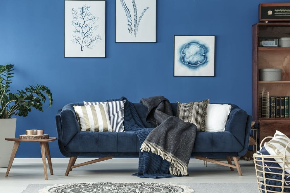 Wondrous This Is How You Bring Your Old Sofa To Life With Couch Throw Short Links Chair Design For Home Short Linksinfo