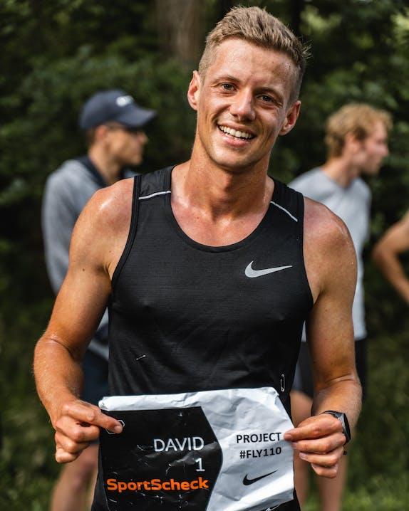 David Schönherr mit der Startnummer für den Rekordversuch