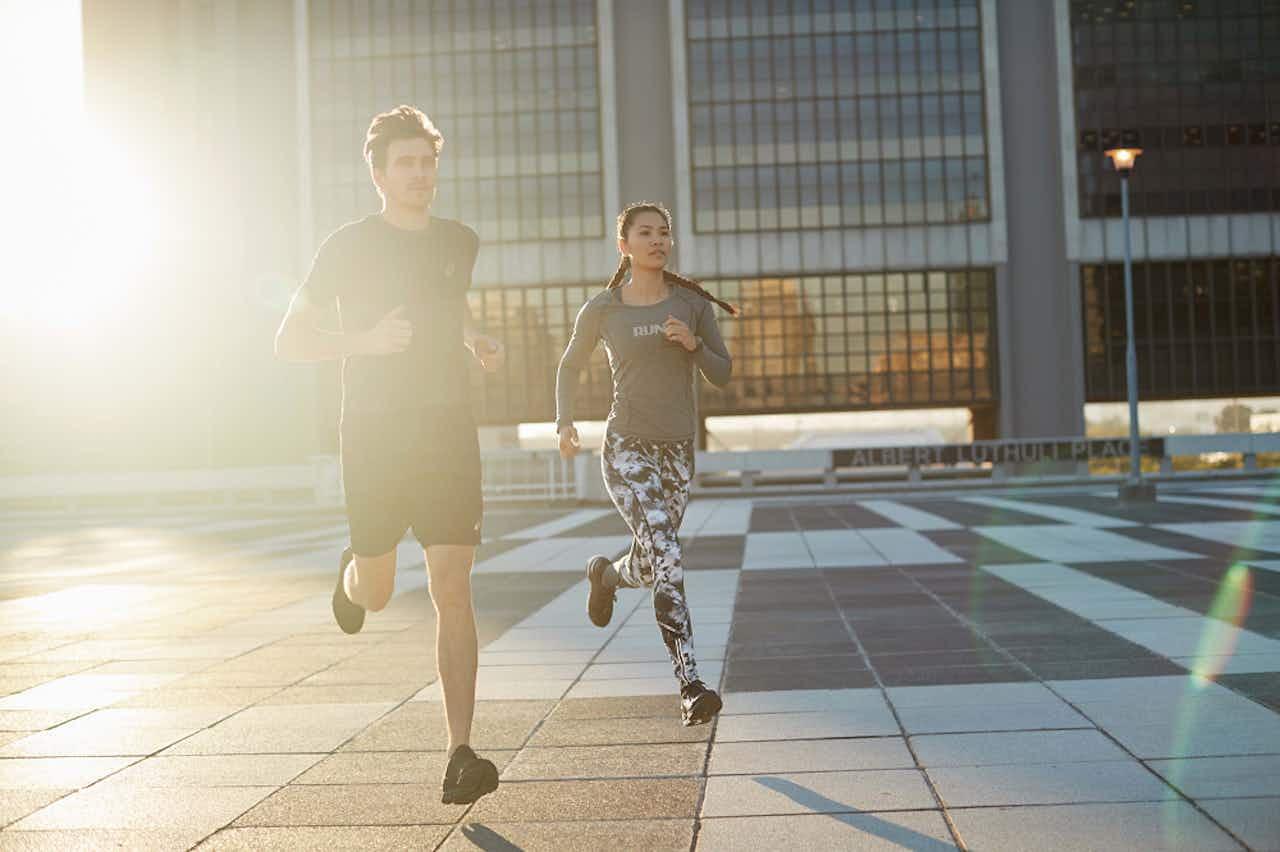 Sportlich in den Tag: Die perfekte Morgenroutine
