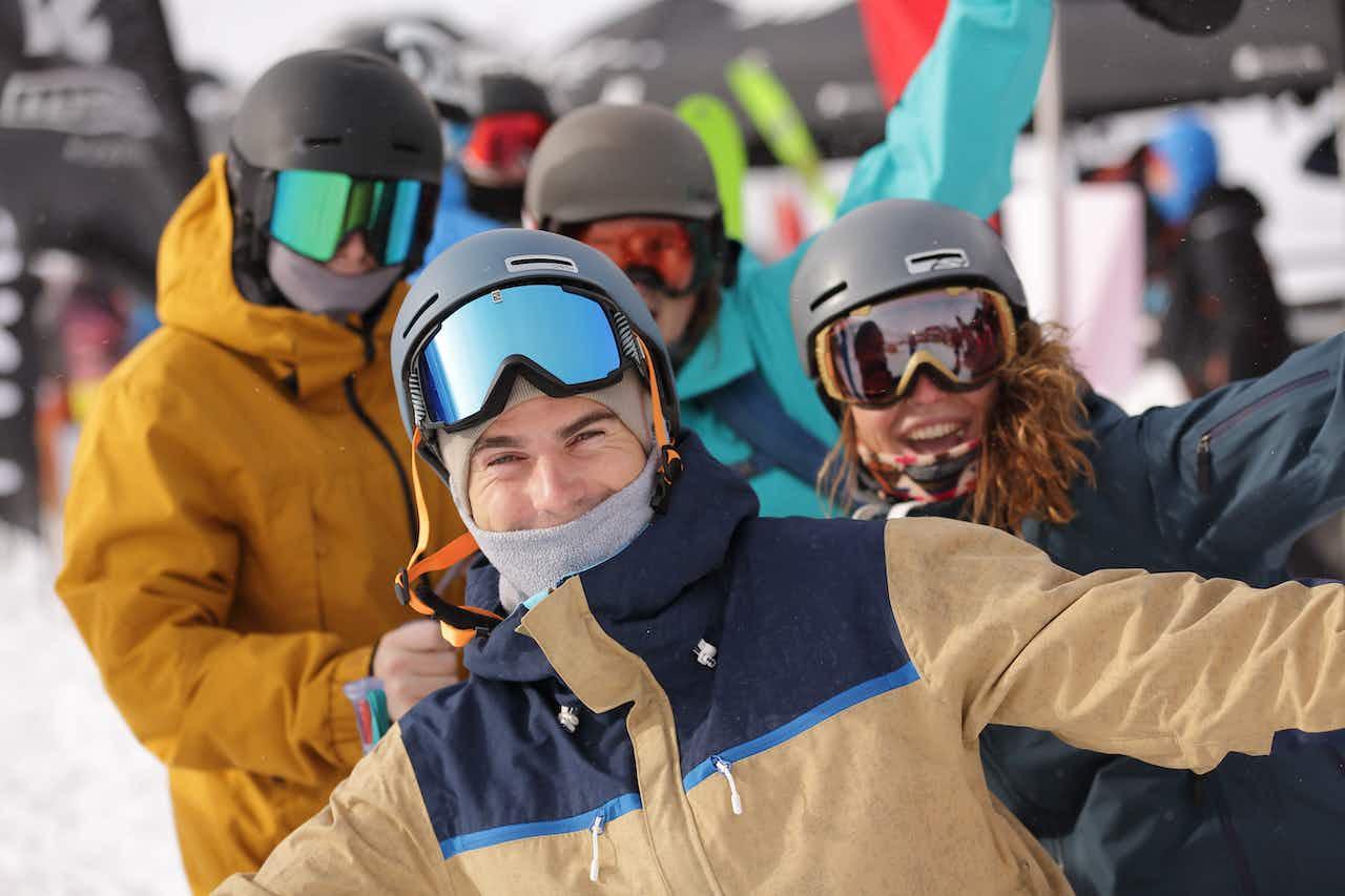 Skifahrer und Snowboarder freuen sich aufs Gletscher Testival