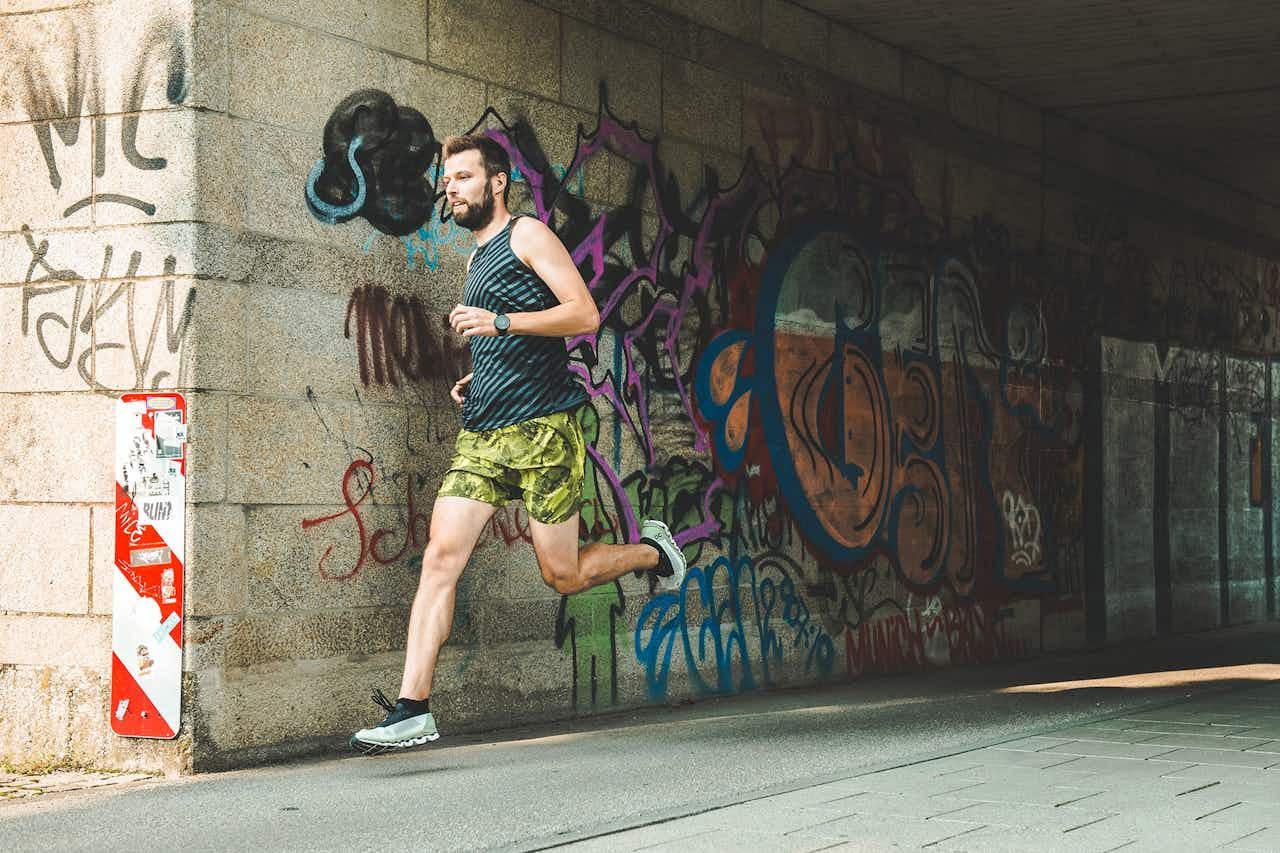 ON Cloudboom: Ein Schuh, der nur ein Tempo kennt – immer schneller