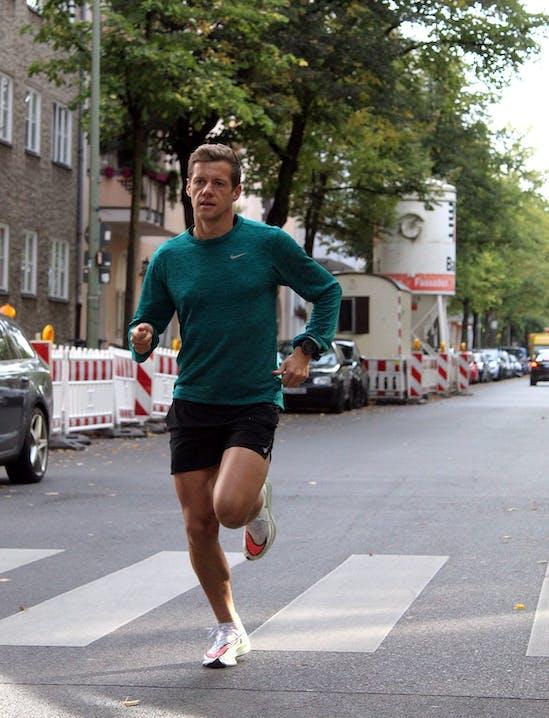 David Schönherr läuft den Nike Zoom Air Next% Vaporfly