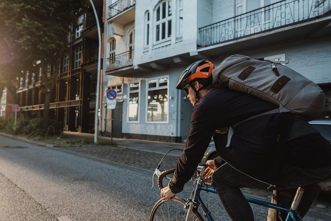 Fahrrad fahren mit Helm