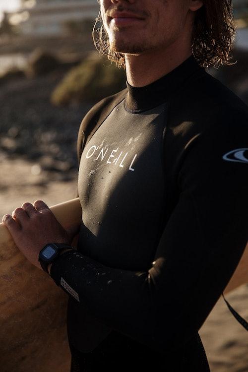 Wetsuit Guide: wie du den richtigen Neoprenanzug findest
