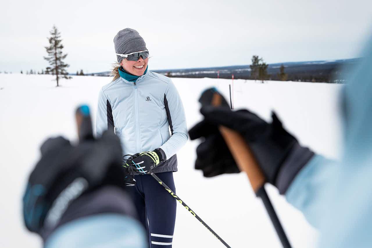 Langläuferin im Schnee