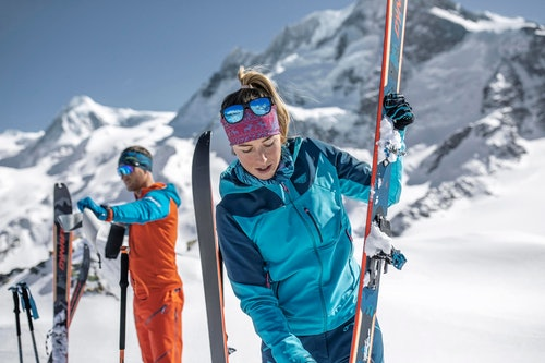 Scialpinisti con Dynafit Seven Summits