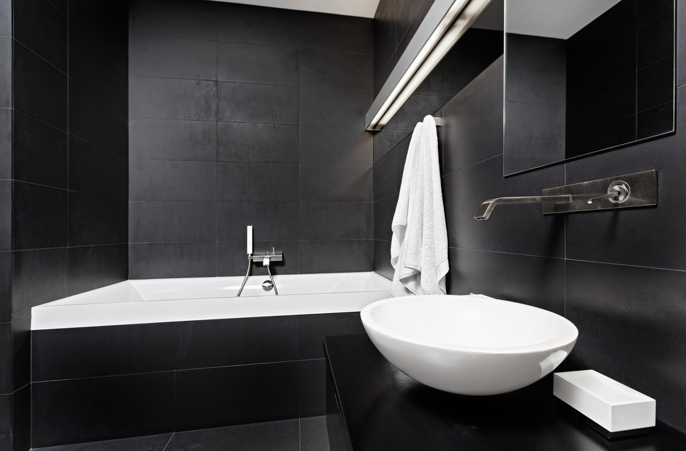 The black and white bathroom provides and elegant, classic, yet timeless appearance. We have written here the information that you need about incorporating black and white in the bathroom.