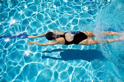 Schwimmen ist ein ideales Workout im Sommer