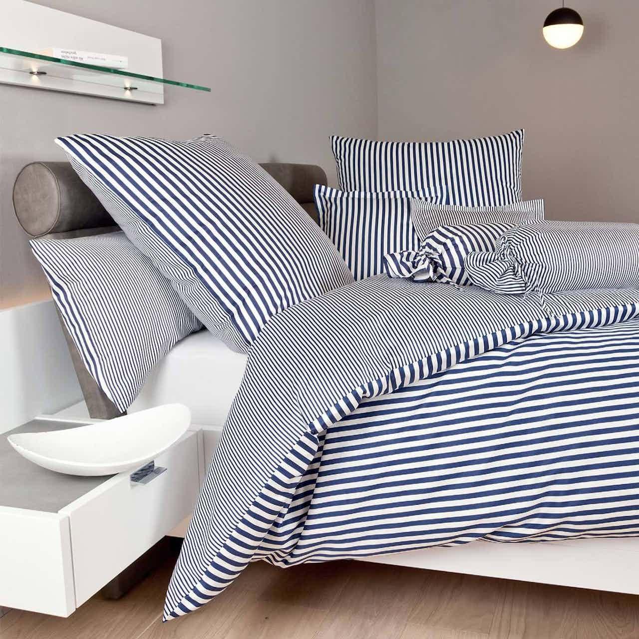 Janine Streifen-Bettwäsche modern classic dunkelblau