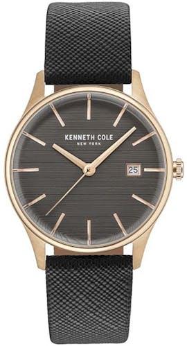 Cette montre KENNETH COLE se compose d'un Boîtier Rond de 35 mm et d'un bracelet en Cuir Noir