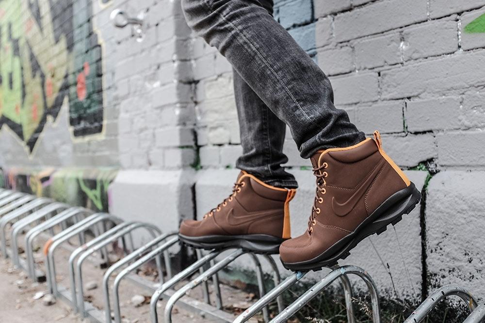 Braune Sneaker Boots von Nike