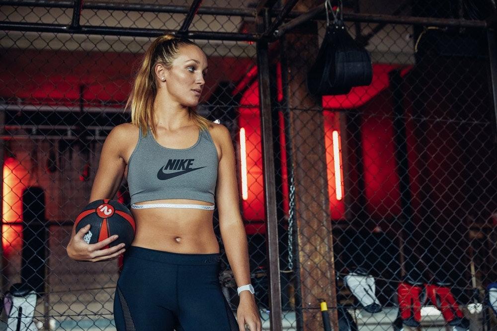 SportScheck_Nike_Pants_Studio_Anouk