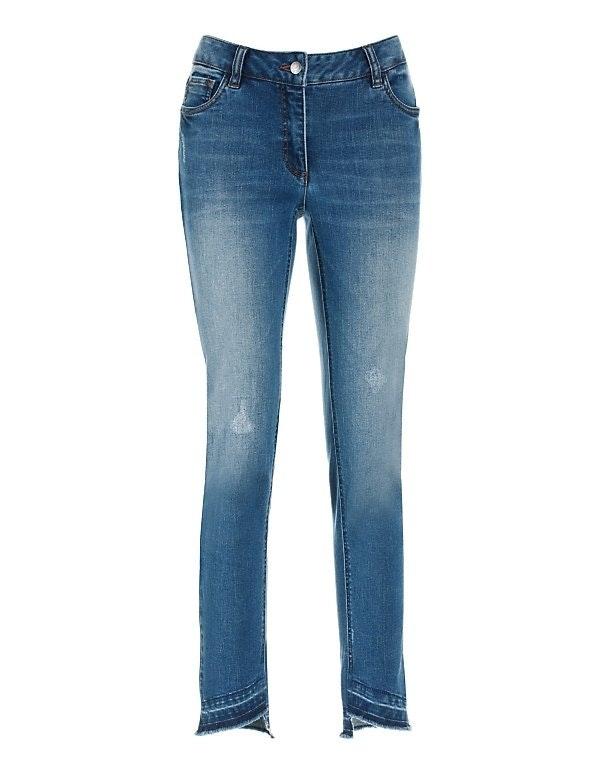 Enge Jeans mit Fransen
