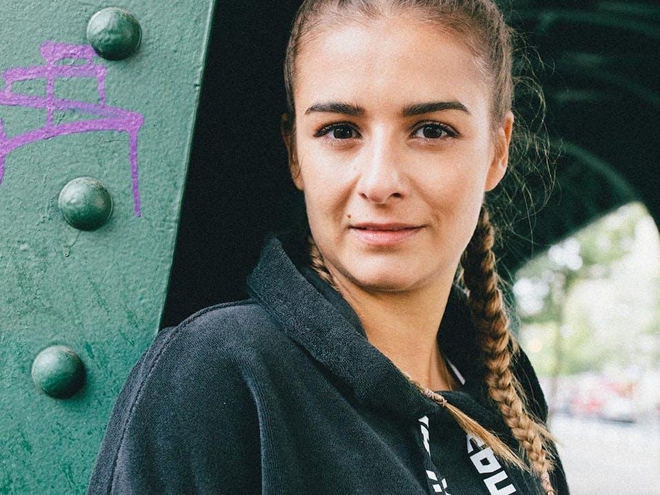 Elena aka trainhard_eatwell